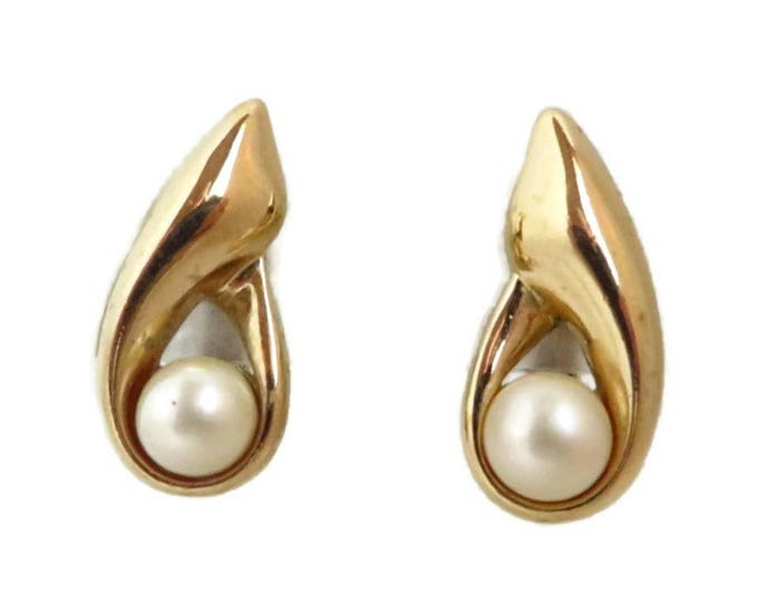 Crown Trifari Teardrop Earrings, Vintage Faux Pearl Clip on Earrings, Gift Idea