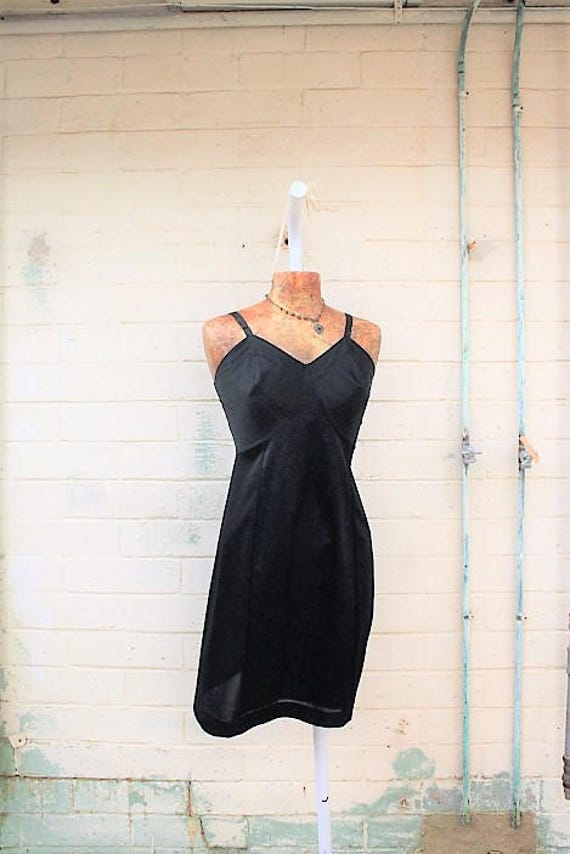 Medium Little Black Dress/Slip Dress/Black Lace Fairy/Vintage Black slip/Mad Men/Vintage Slip/Gothic Dress/1950 slip/Vintage Lingerie