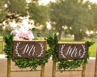 Mr and Mrs Chair Signs, Mr and Mrs sign,  Mr Mrs chair Signs, Mr and Mrs wooden Sign, Wedding Chair Signs, Bride and Groom Chair Signs, wood