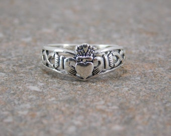 Free Engraving Mens or Womens Sterling Silver 925 Claddagh Ring / Promise Ring / Engagement Ring / Friendship Ring