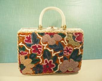 Mid Century White Wicker Handbag - Beaded - Tropic Miami Florida - Vintage 1960s