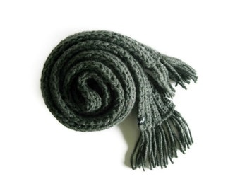 Scarf Knitted in Dark Gray Wool, Hand Knit, Chunky, Long Winter Scarf, Women Man Scarves, Fringes, Cute Multi Wrap Scarf, Winter Accessories