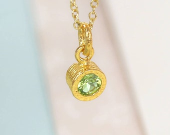 Gold Peridot Necklace, Gemstone Necklace, Gold Gemstone Pendant, Green Peridot Gemstone, Natural Stone Necklace, Green Stone Pendant
