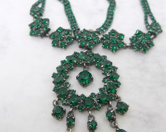 Glittering Vintage Emerald Green Glass Paste Pendant Necklace - Lovely Drop Necklace