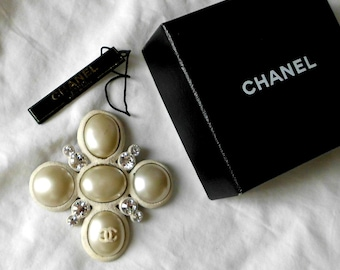 Chanel Clear Rhinestones Faux Pearl Pin Brooch 03A Made In France