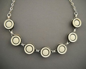 """Black and white vintage button necklace with silver chaine-17"""""""