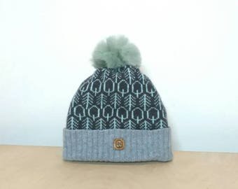 Into the Woods - Cozy lambswool winter hat with pompom