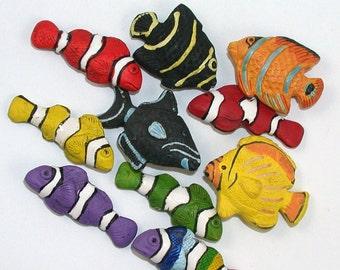 10 Large Tropical MIxed Fish Beads - LG392