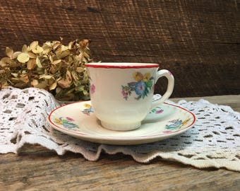 Crooksville China Co Demitasse Teacup Set/Made in USA/Flowers/Red Trim