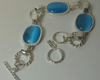 Sterling Silver Bracelet with cat eye.