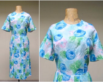 Vintage 1950s Dress / 50s Blue Nylon Floral Print Day Dress / Medium