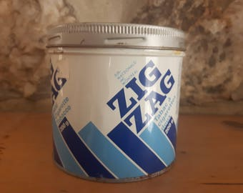 Vintage Zig Zag tin metal tobaco box & rolling machine