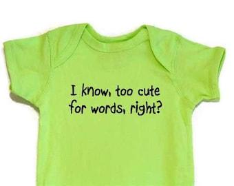 Lustige Baby Bodysuit Onesie zu niedlich für schwarzen Text von Wörtern