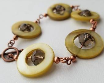 Peridot Shell Chain Bracelet/Copper/Gray/Crystal