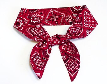 """TIE ONE ON Dog Cooling Collar, Pet Neck Cooler Stay Cool Wrap, Size Small Medium Large 10 - 22"""" neck, Red Navy Blue Bandana Print iycbrand"""