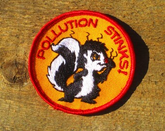 Vintage 70s Pollution Stinks Skunk Little Stinker Sew-On Patch