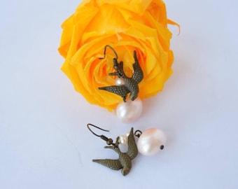 Bird brass earrings