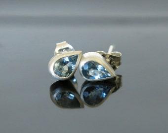 Aquamarine stud earring, Aqua earring, Aqua stud, Tear earring, Pear earring, March birthstone earring, Aquamarine earring, Gift for her