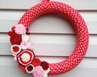 Valentine's Day Wreath - Heart Fabric Wreath decorated w/ felt flowers. Valentine Wreath - Mother's Day Wreath - Heart Wreath - Red heart