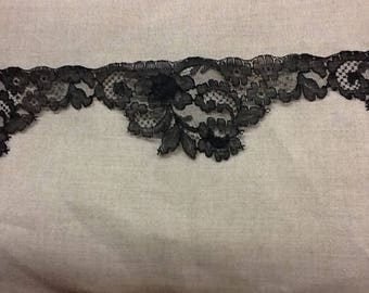 Tape lace of calais - black