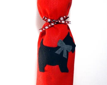 Felt Wine Gift Bag, Schnauzer Christmas Wine Bag, Dog Wine Tote, Red Wine Gift Bag, Holiday Wine Bag, Gift Bottle Bag, Felt Wine Tote