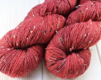 Hand - dyed skeins Fingering - superwash Merino Wool and Nylon NEP. - 100 g / 400 m - Carmine