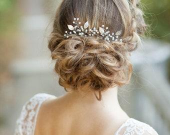 Bridal hair pins Wedding hair pins Set of two silver bridal leaf hair pins Silver leaf headpiece Leaves wedding hair accessories Sprig pins
