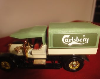 Matchbox Yesteryear Y13 1918 Crossley Carlsberg Mint in Box