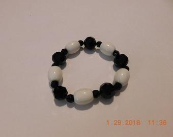Chunky Vintage Black and White Beaded Stretch Bracelet
