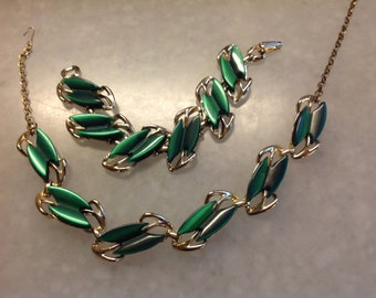 Green Lucite Necklace and Bracelet