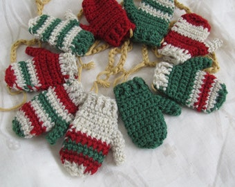Rustic green and red mitten garland (choice of lengths ft) / Hand made mitten garland / Christmas mitten garland / Christmas bunting