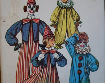 Simplicity 7162 Retired  Vintage 1975 Childs Clown Costume Sewing Pattern Size:10-12