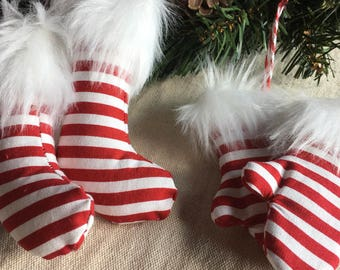Decorate mittens and socks