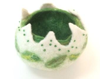 Spring Green Felt Pot, Trinket Bowl. Fibre Art, Air Plant Pot