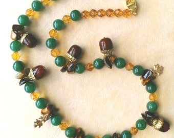 Vintage Bakelite Acorn Necklace. Mint Green Aventurine. Thanksgiving. Gold tone Oak Leaves. Art Deco 1940s - Autumn Fruits by enchantedbeads
