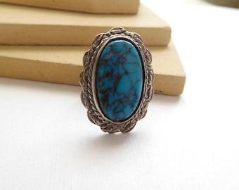 Vintage Southwestern Large Faux Turquoise Silver Ring Adjustable Size 7 M45