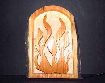 """Holzlampe """"Lagerfeuer"""" mit LED aus Kelo-Holz - Wandlampe"""