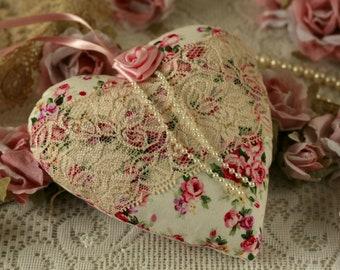 Shabby chic heart, fabric heart, heart gift, lace heart, heart decoration, floral heart, shabby chic decor, hanging decoration, floral gift