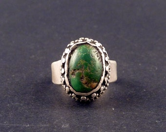 Tibetan old silver ring, with a tibetan turquoise gemstone, jewellery from Himalaya, indian ring, ethnic tribal ring, gemstone ring