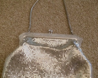 Amazing!  VINTAGE Silver tone OROTON mesh evening bag!