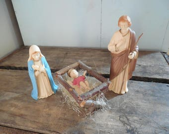 Beautiful Vintage Nativity Figures 1962 Hong Kong