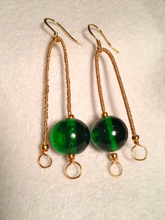SJC10012 - Brass earrings with gold plated seed beads and emerald green glass round bead