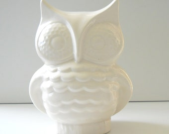 Ceramic Owl Planter Vintage Design in White, Owl Vase or Pencil Holder