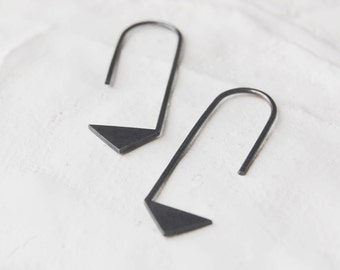 Triangle thread earrings  // black pointy earring // graphic jewelry // Pointy earrings