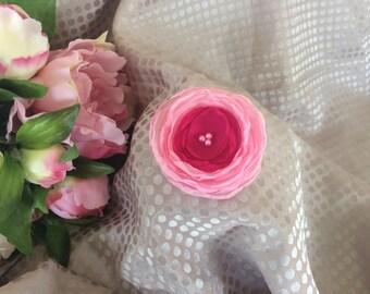 Flower 6 cm chiffon fuchsia with beads