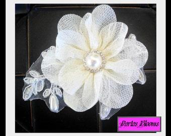 Bridal hair accessory, Wedding hair flower, Bridal hair flower, Lace hairpiece, Pearl hairpiece, Vintage style headpiece, Wedding headpiece