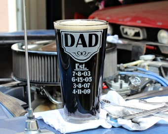 Fathers Day Gift, Gift for dad from daughter, Dad Est, Dad Established Glass, Personalized Beer Glass, Custom Pint Glasses, Free Shipping