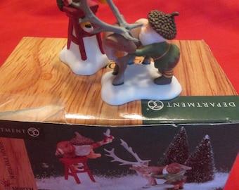 Dept 56 North Pole Woods Scissors Wizards accessories set of 2 pieces, 56.56923
