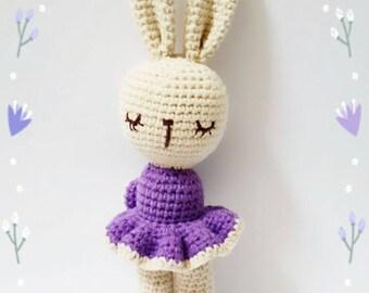 Crochet Bunny amigurumi knit
