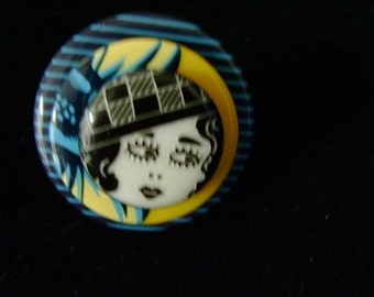 Flapper girl button ring